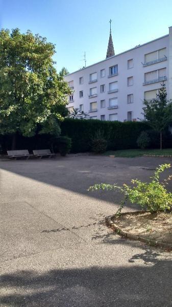 Rental apartment Lyon 7ème 567€ CC - Picture 1