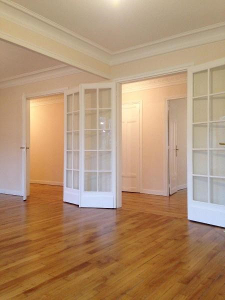 Location appartement Paris 19ème 2 680€ CC - Photo 2