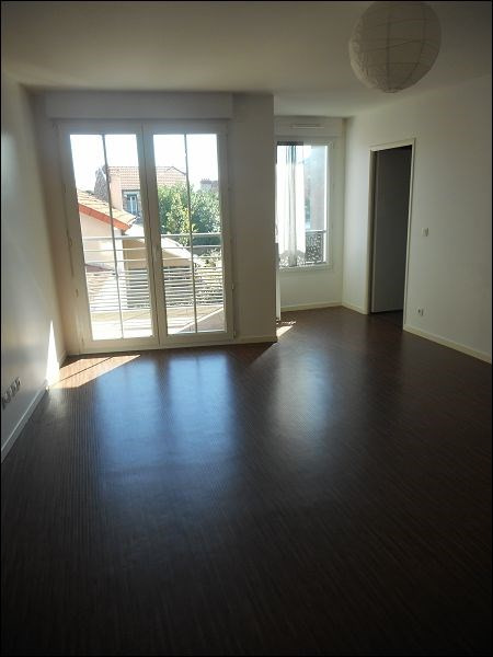Rental apartment Juvisy sur orge 978€ CC - Picture 2