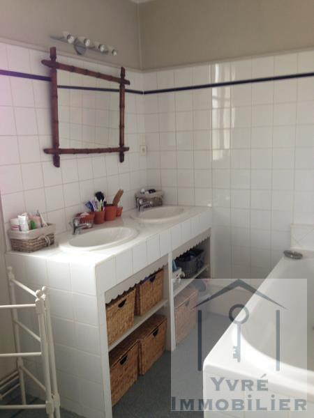 Sale house / villa Yvre l eveque 426400€ - Picture 11