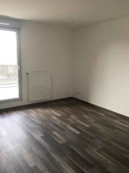 Rental apartment Villeurbanne 903€ CC - Picture 6