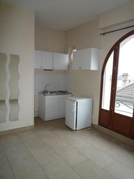 Rental apartment Le raincy 660€ CC - Picture 3