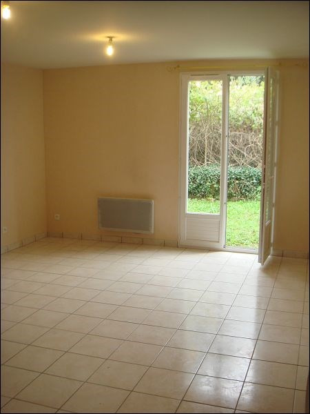Location maison / villa Mennecy 891€ CC - Photo 2
