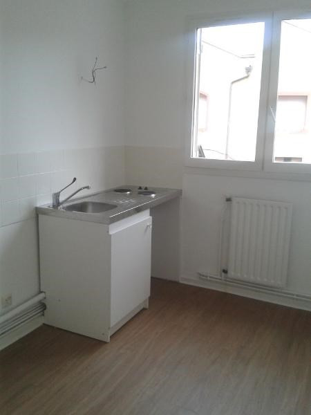 Location appartement Villefranche 429€ CC - Photo 3
