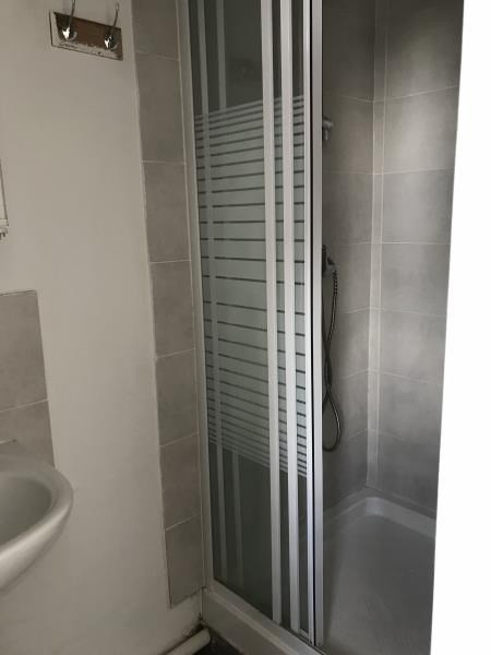 Location appartement Oullins 421€ CC - Photo 4