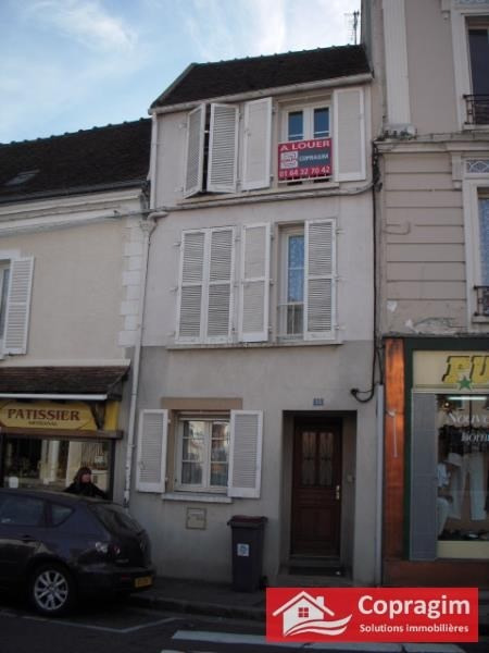 Rental apartment Montereau fault yonne 590€ CC - Picture 3
