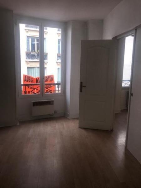 Rental apartment Paris 18ème 1296€ CC - Picture 3