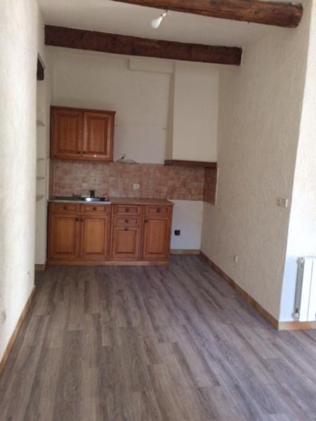 Rental apartment Fuveau 650€ CC - Picture 3