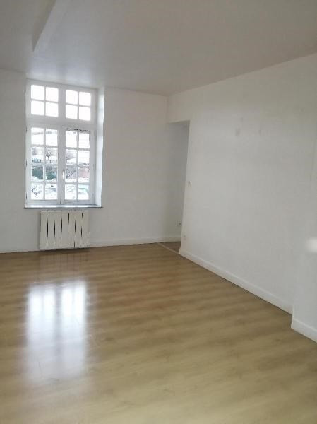 Rental apartment Saint-omer 675€ CC - Picture 3