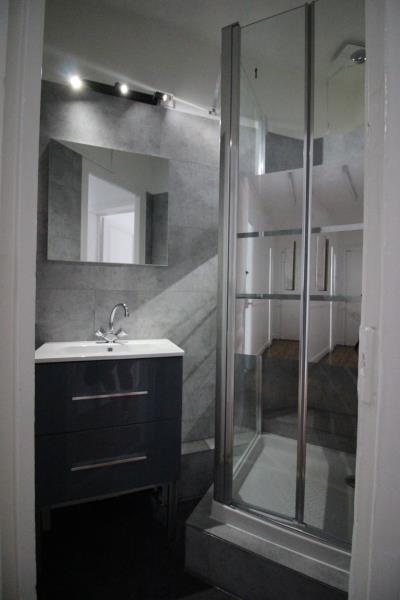 Rental apartment Paris 18ème 950€ CC - Picture 4