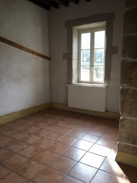 Location appartement Assieu 800€ CC - Photo 5