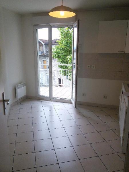 Location appartement La tronche 958€ CC - Photo 4