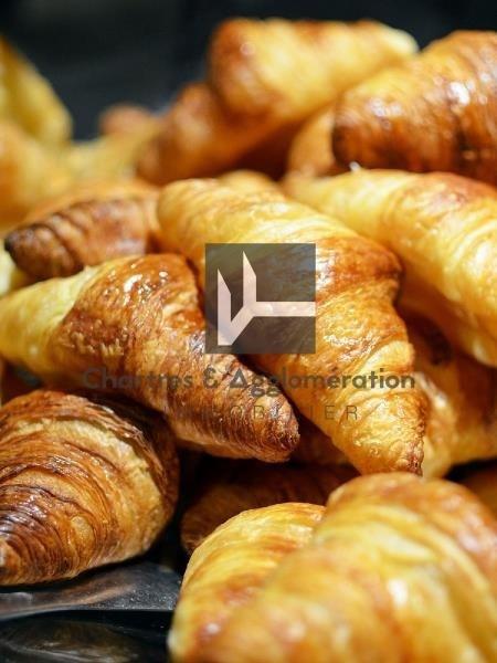 Commercial property sale shop Chartres 99000€ - Picture 1