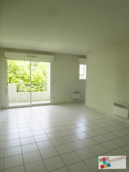 Rental apartment Cognac 452€ CC - Picture 1
