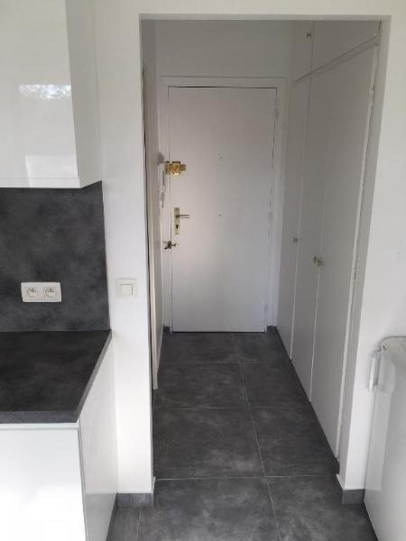 Rental apartment Vallauris 550€ CC - Picture 1