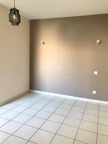 Location maison / villa Niort 557€ CC - Photo 3