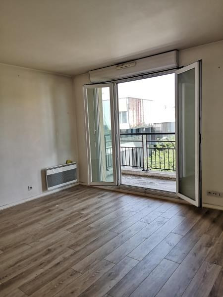 Location appartement Asnieres sur seine 980€ CC - Photo 1