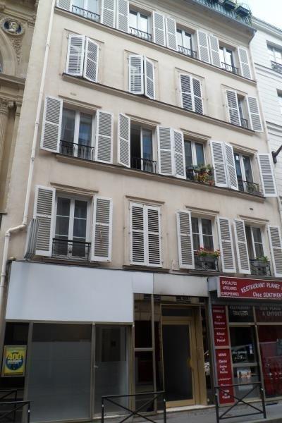 Rental apartment Paris 10ème 976€ CC - Picture 1