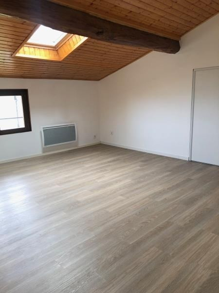 Rental apartment Communay 750€ CC - Picture 4