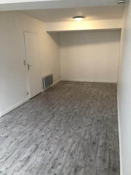 Rental apartment Le port marly 690€ CC - Picture 3