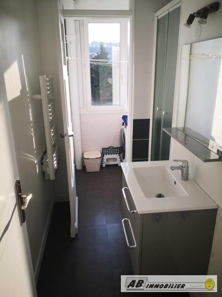 Rental apartment St cyr l ecole 930€ CC - Picture 6