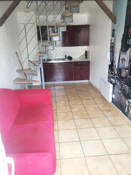 Location appartement Bornel 554€ CC - Photo 1