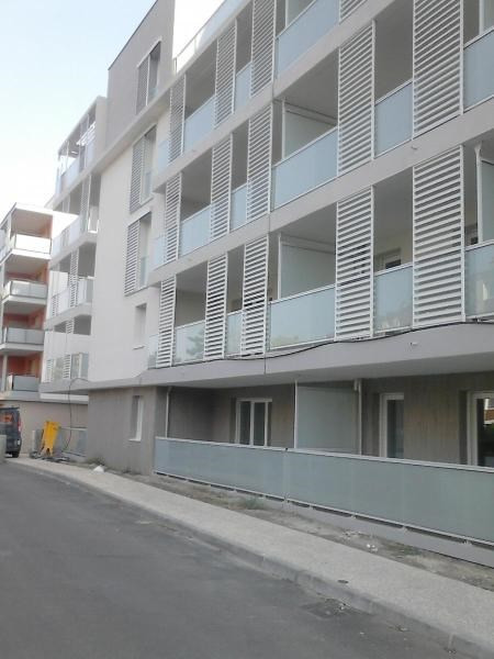 Rental apartment Bron 548€ CC - Picture 1