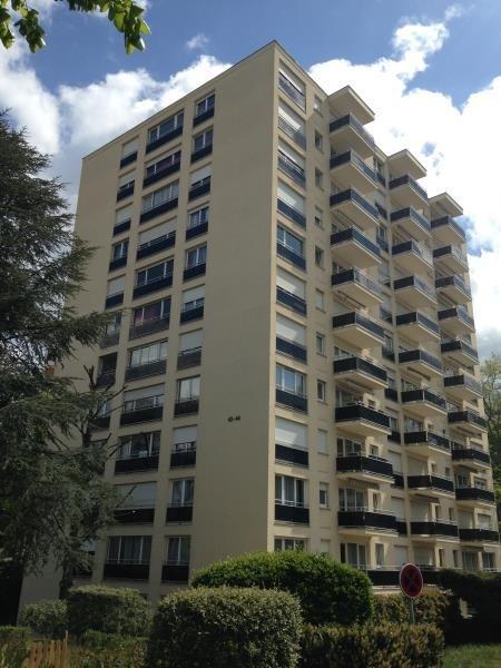 Location appartement Poissy 614€ CC - Photo 1