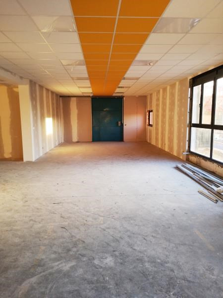 Rental office Marines 2300€ HC - Picture 2