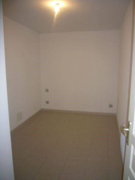 Alquiler  apartamento Bram 325€ CC - Fotografía 3