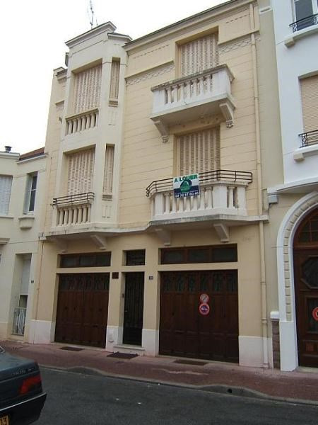 Rental apartment Vichy 360€ CC - Picture 1