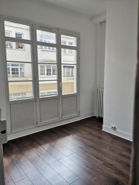 Location appartement Montrouge 820€ CC - Photo 4