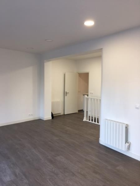 Location boutique Nanterre 950€ HT/HC - Photo 1
