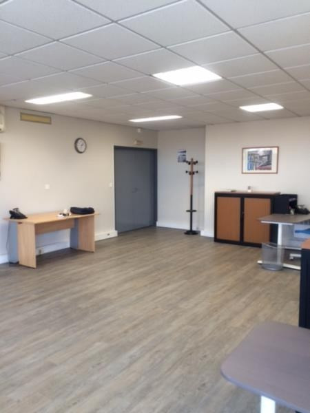 Rental office Colombes 1325€ HT/HC - Picture 5