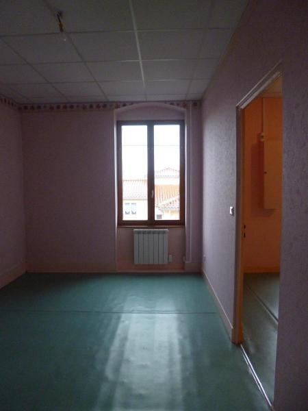 Location appartement Les olmes 345€ CC - Photo 3