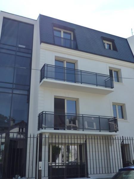 Rental apartment Villemomble 980€ CC - Picture 1