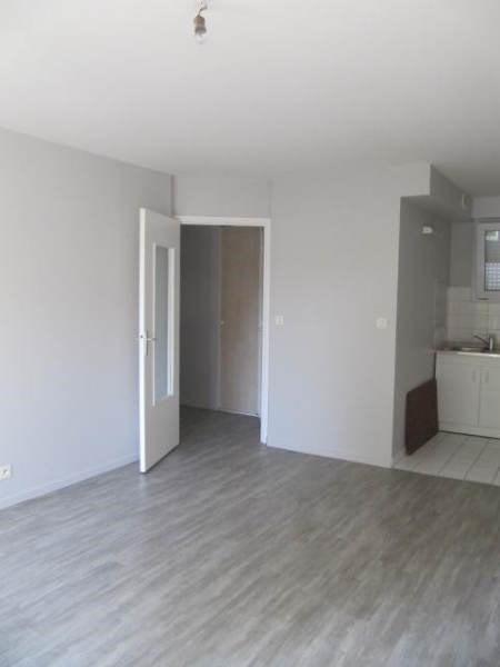 Rental apartment La ferte alais 650€ CC - Picture 3