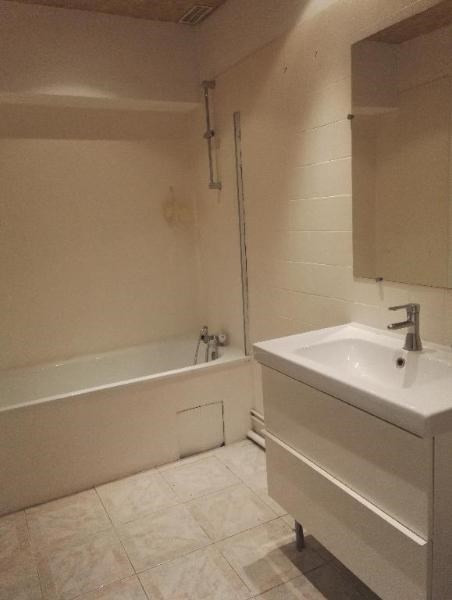 Rental apartment Aix en provence 851€ CC - Picture 9