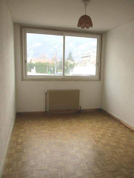 Location appartement Fontaine 580€ CC - Photo 4