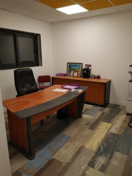 Rental office Marines 2300€ HC - Picture 3