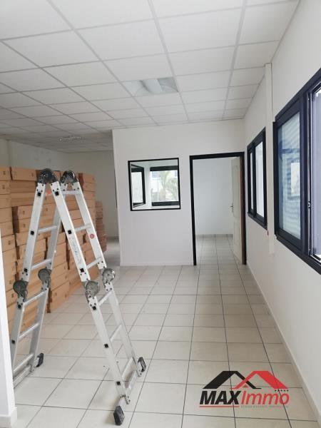 Location bureau Saint andre 850€ CC - Photo 1