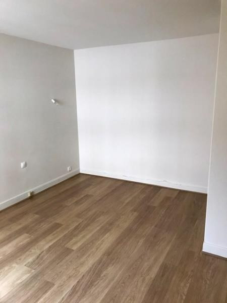 Sale apartment Lyon 6ème 195 000€ - Picture 2