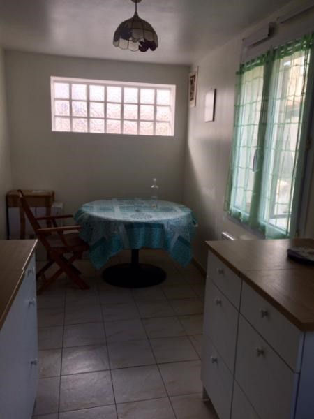 Rental apartment Fuveau 720€ CC - Picture 5