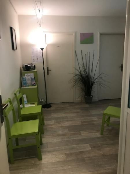 Location local commercial Poissy 377€ HT/HC - Photo 2