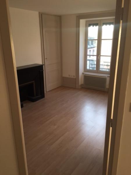 Location appartement Lyon 2ème 607€ CC - Photo 2