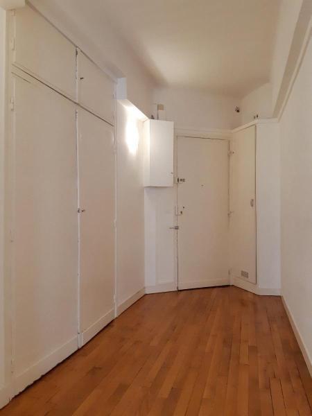 Location appartement Paris 16ème 1485€ CC - Photo 5