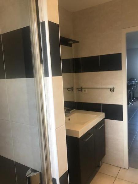 Location appartement Curis-au-mont-d'or 690€ CC - Photo 2