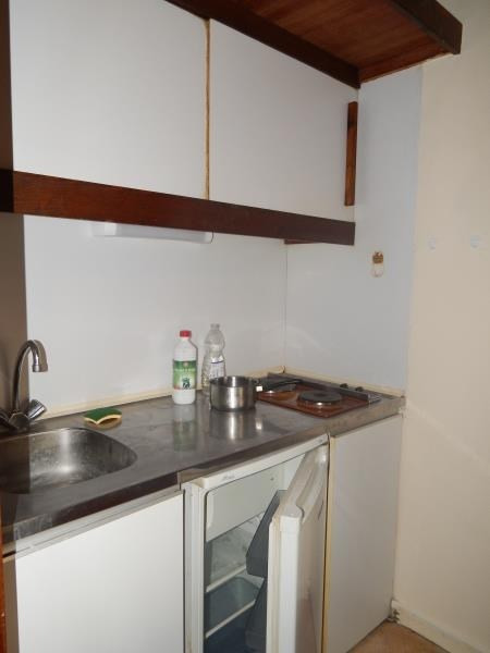 Rental apartment Vendome 321€ CC - Picture 2