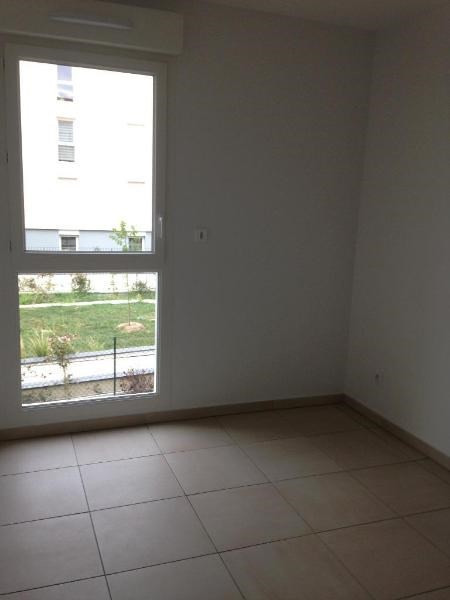 Rental apartment Vernaison 729€ CC - Picture 5