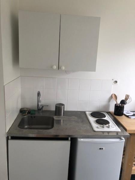 Location appartement Paris 20ème 870€ CC - Photo 6